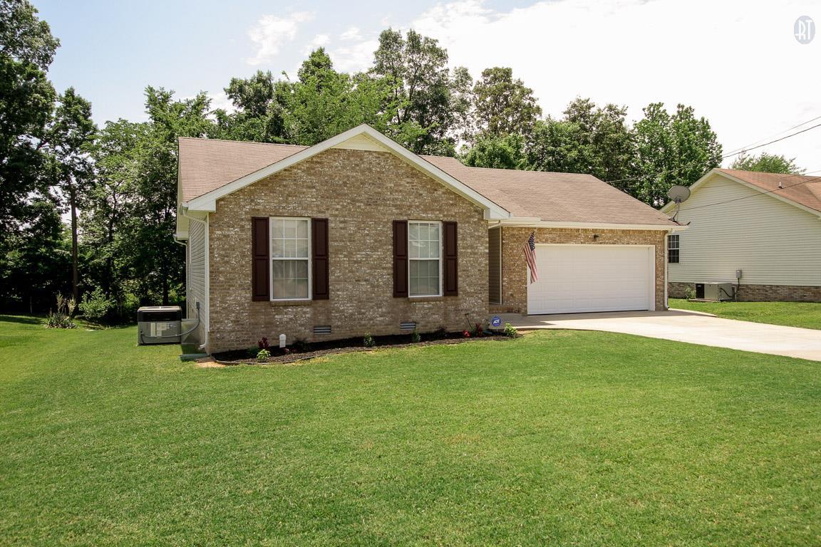 610 Corinth Ct, Clarksville, TN 37040