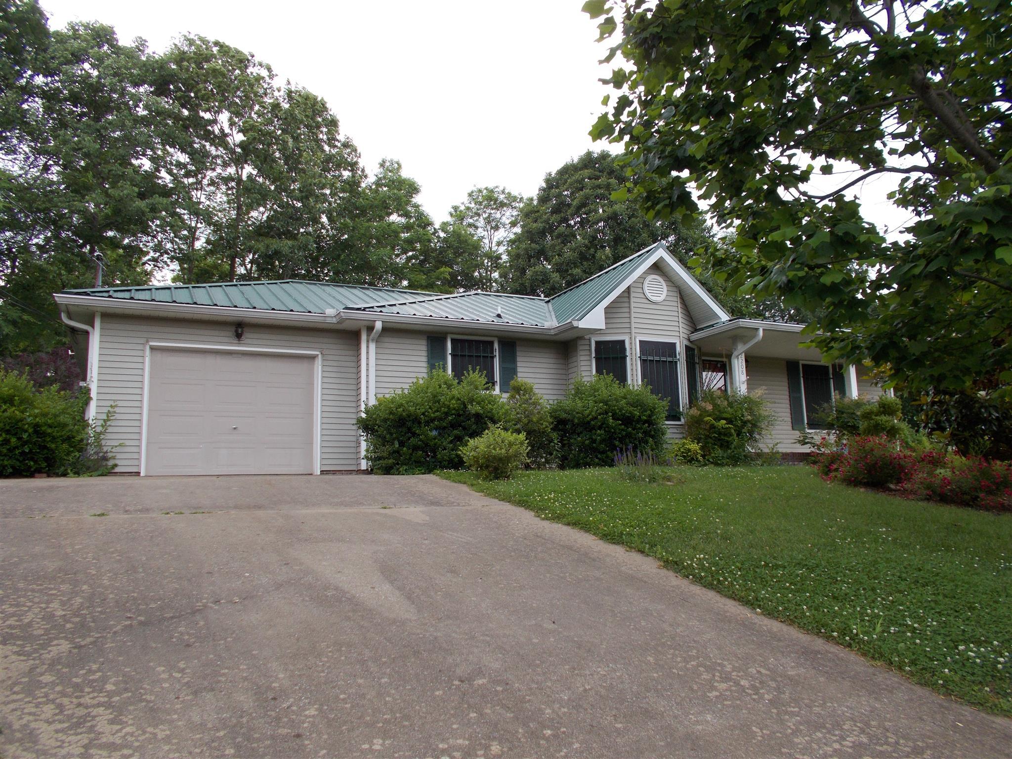 2208 Mason Ct, Clarksville, TN 37043