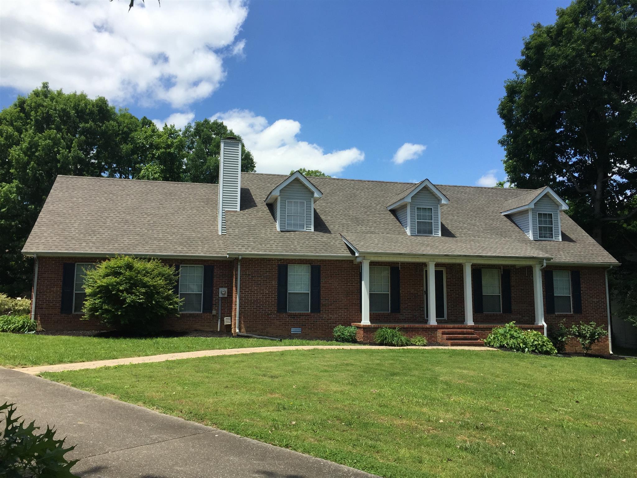 107 Lone Oak Dr, White House, TN 37188