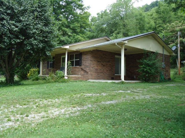 256 W Fork Riley Creek Ln, Whitleyville, TN 38588