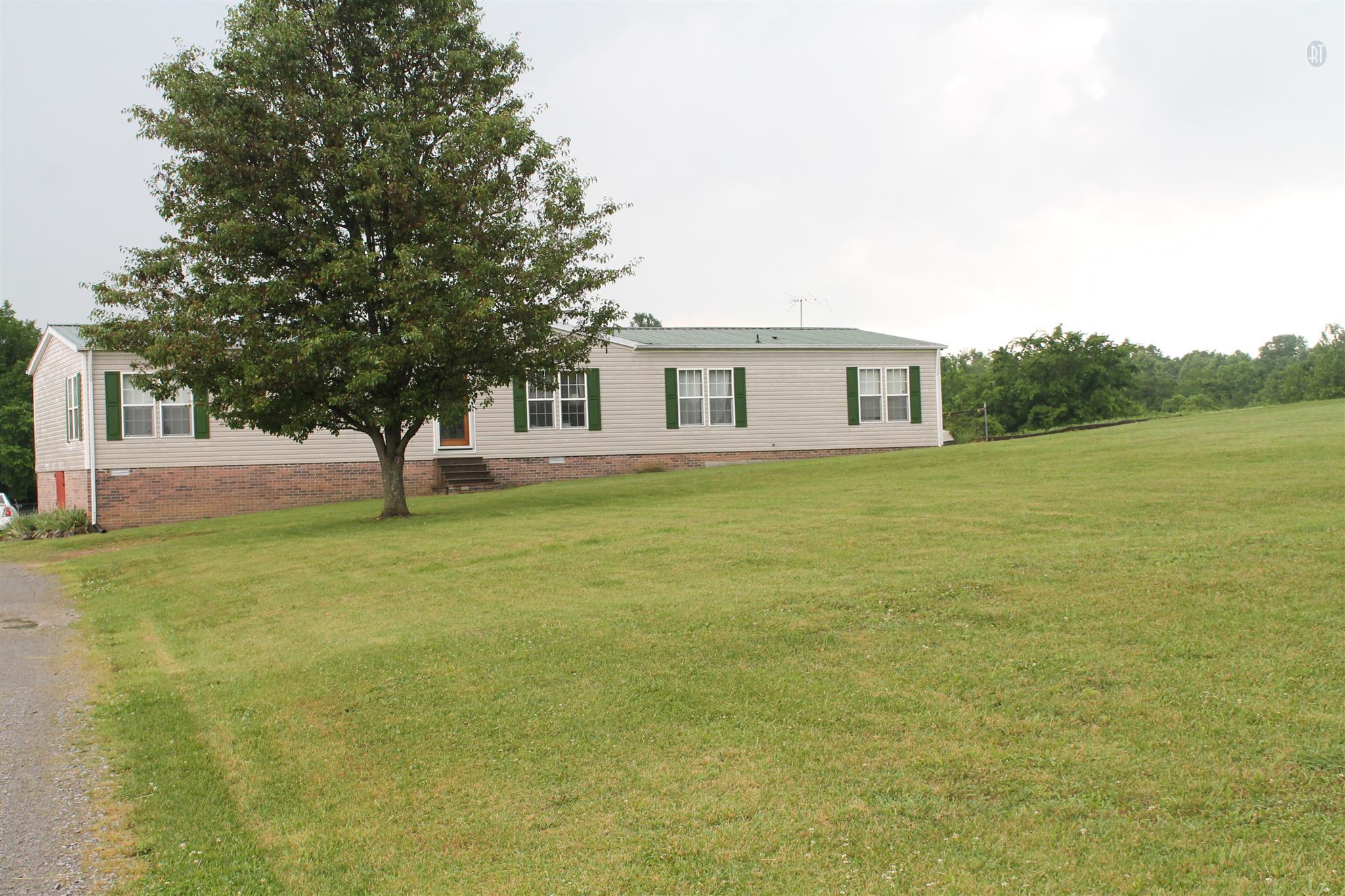 295 Crenshaw Rd, Hartsville, TN 37074