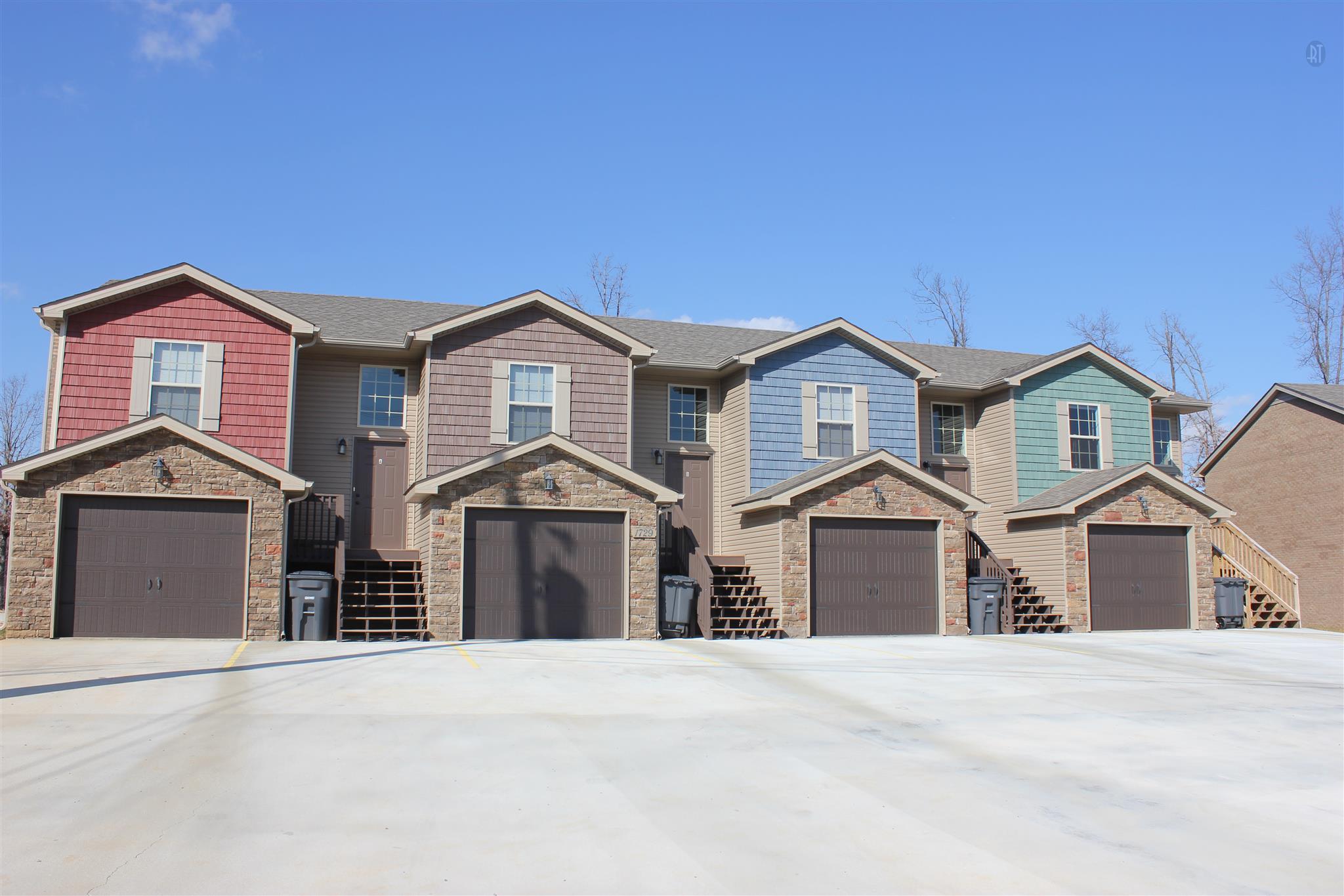 995 South Ash Ridge Drive Clarksville, TN 37042