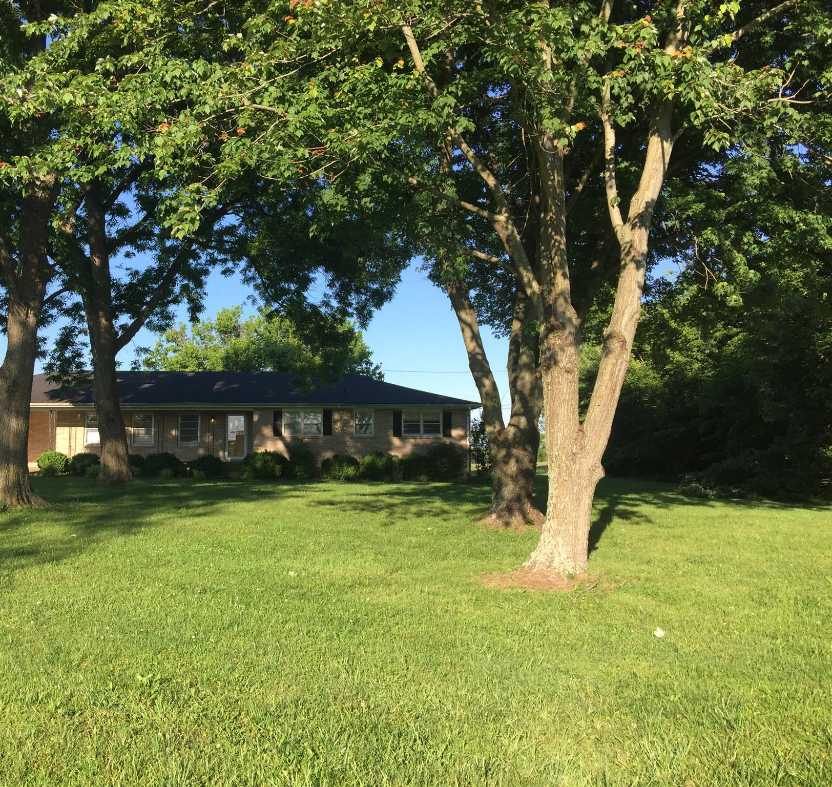 3808 Calista Rd, Cross Plains, TN 37049