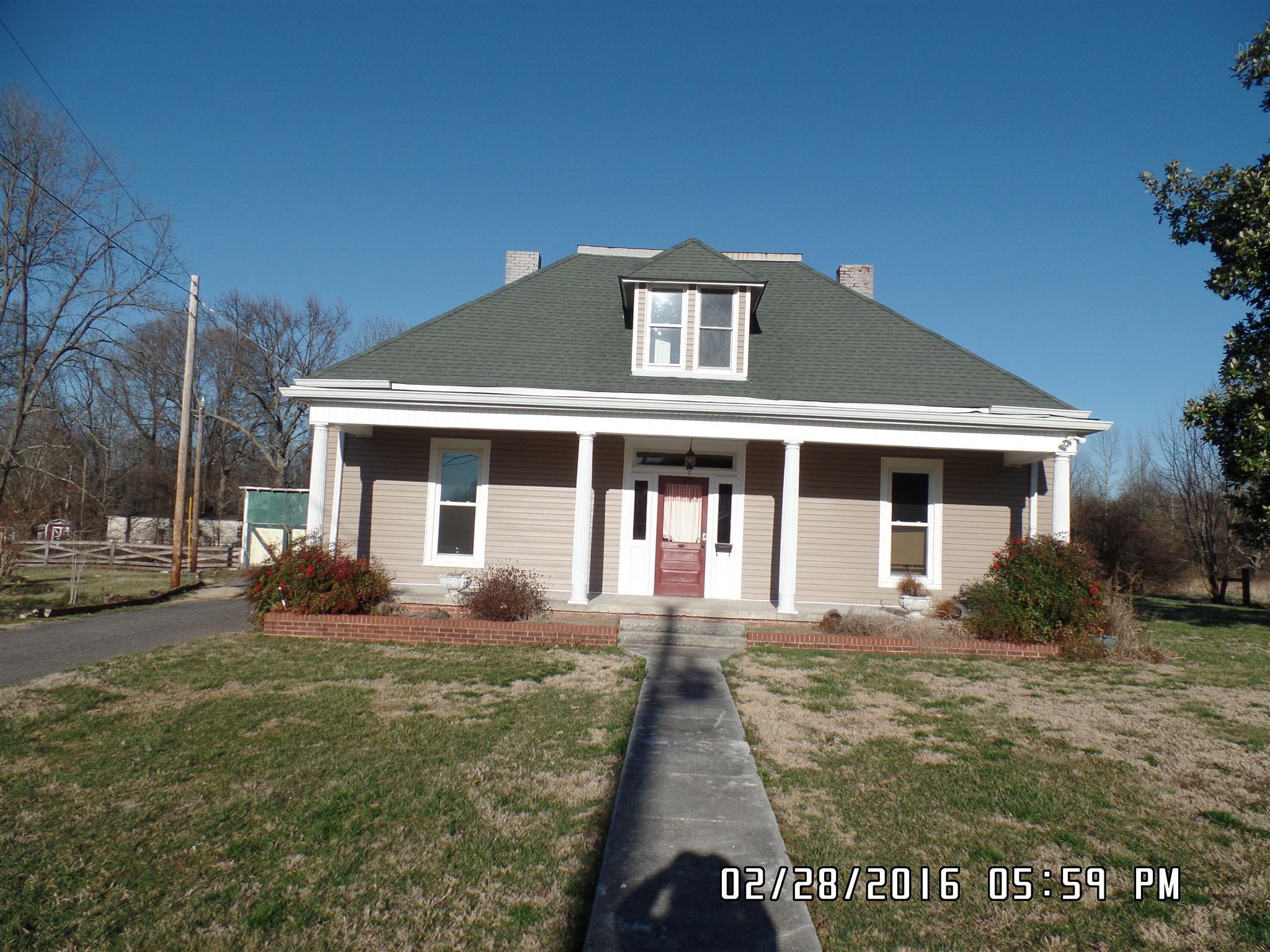 2244 Old Washington Rd, Cedar Hill, TN 37032