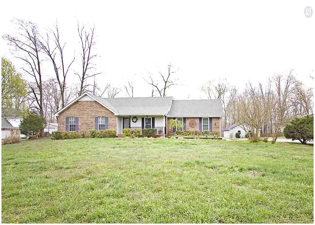 3817 Lake Rd, Woodlawn, TN 37191