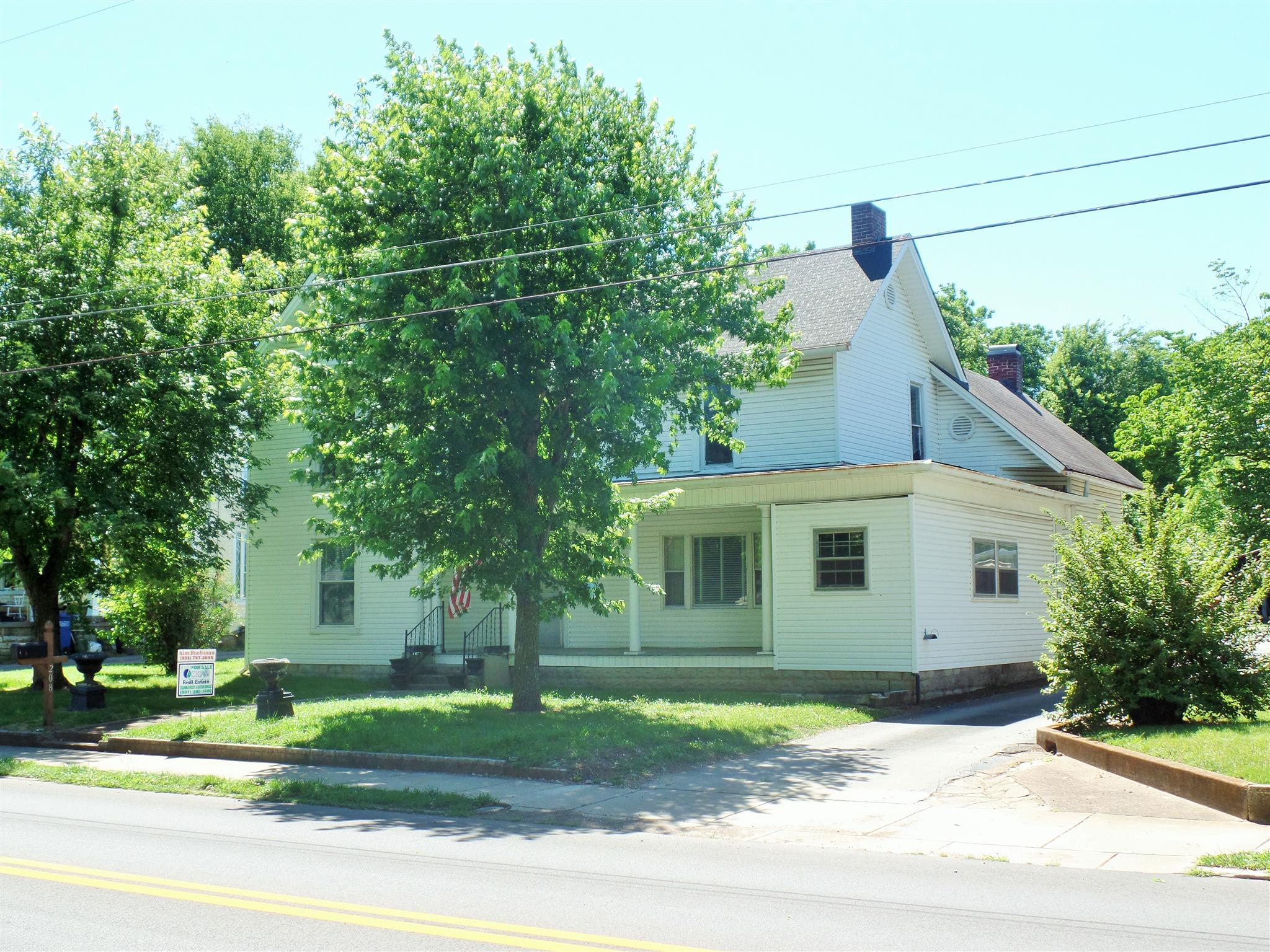 208 S Main St, Mount Pleasant, TN 38474