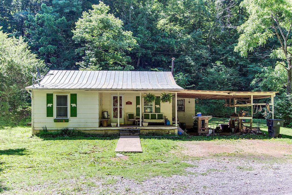 1371 Bear Creek Trl, Centerville, TN 37033