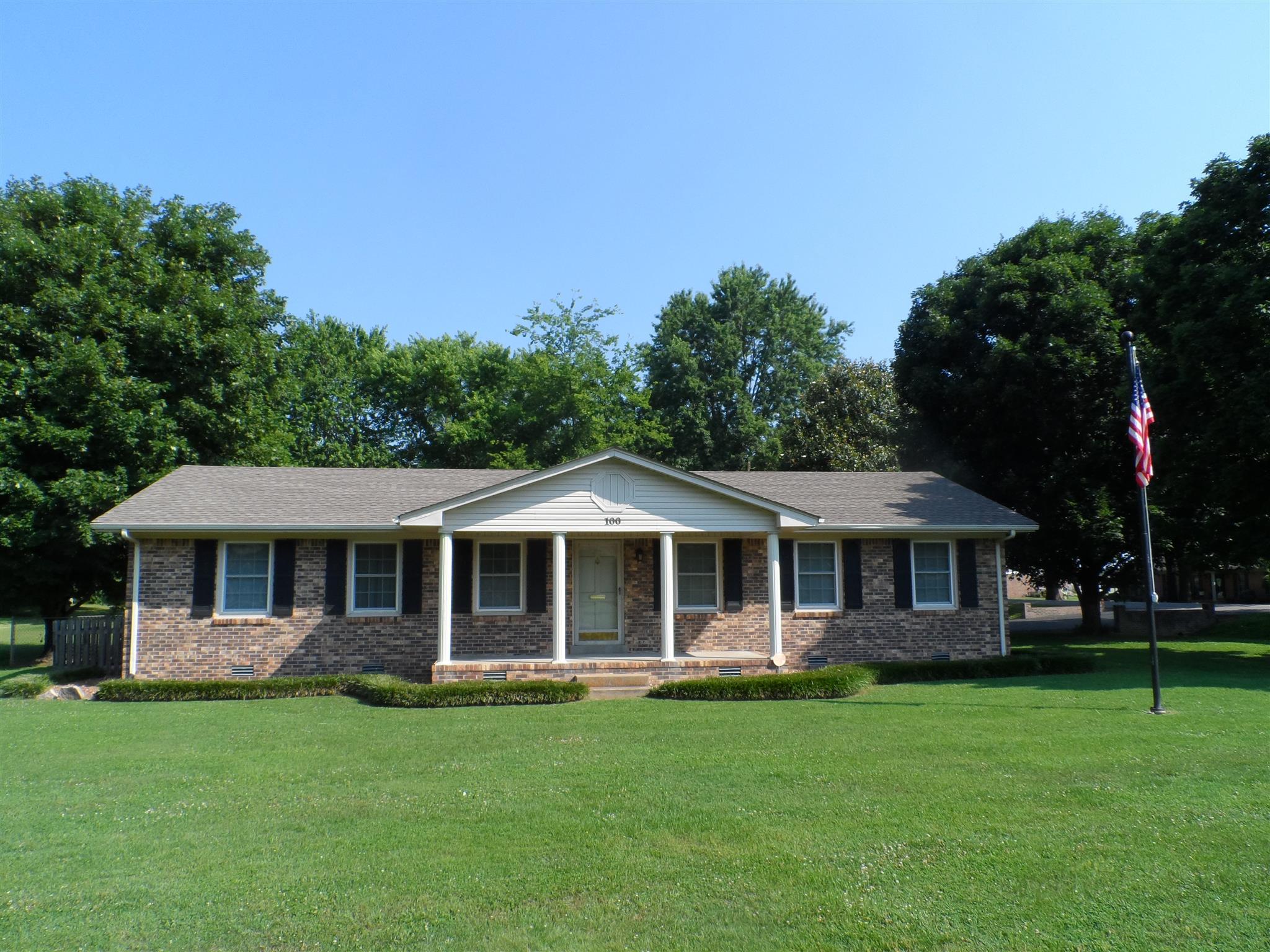 100 Iris Dr, Mt Pleasant, TN 38474