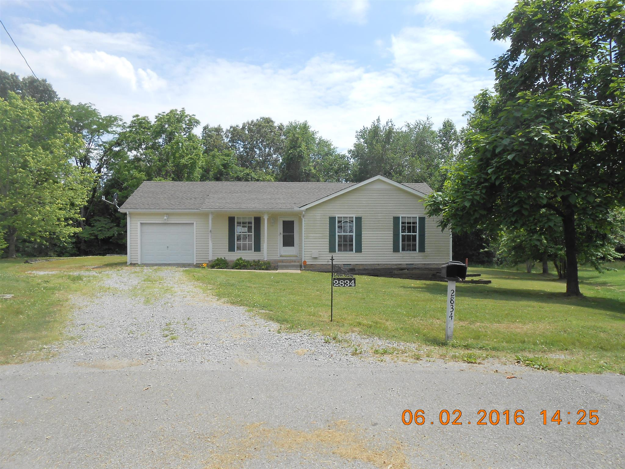 2834 Hinson Rd, Woodlawn, TN 37191
