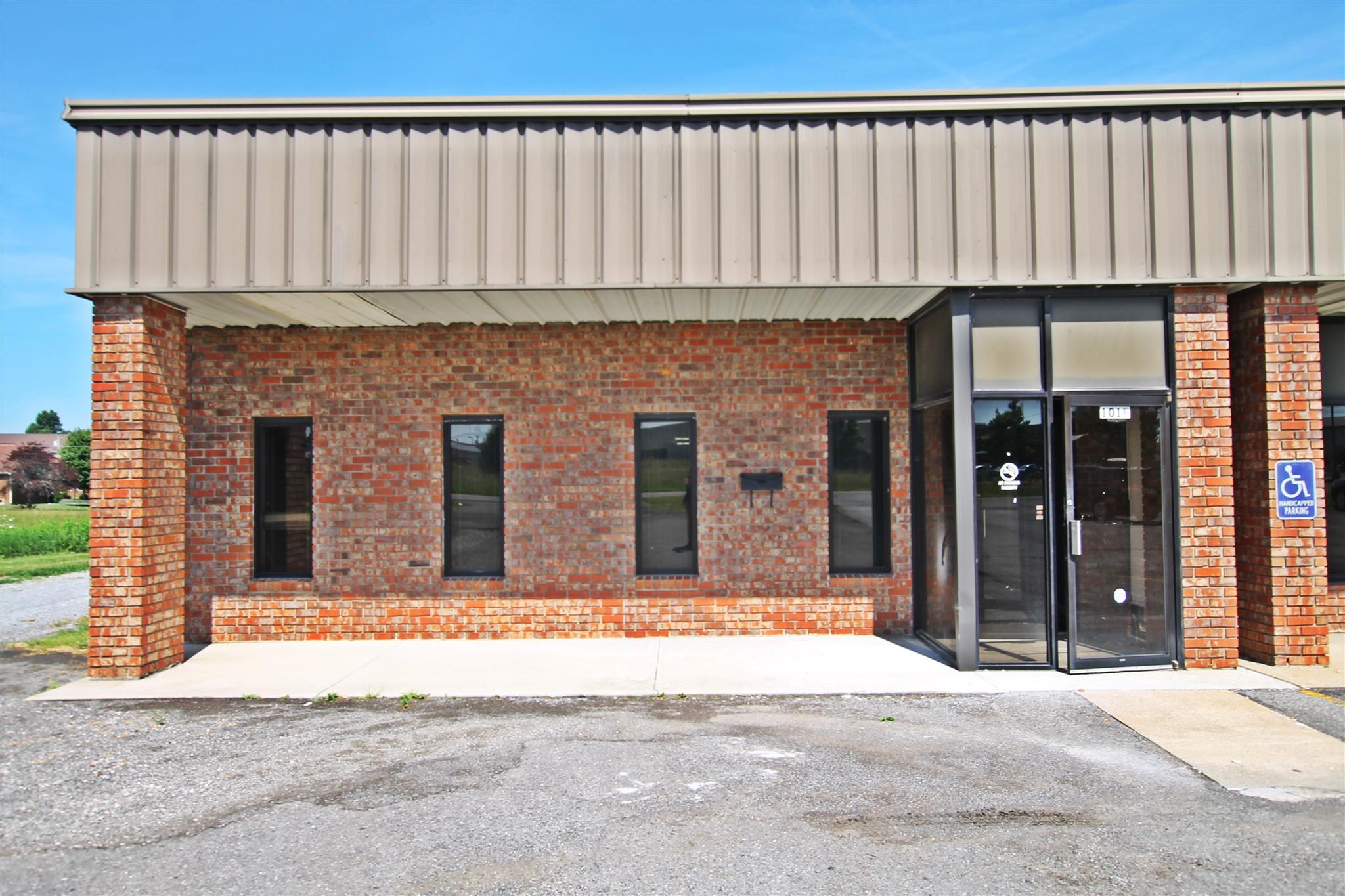 101 Mooreland Dr, Springfield, TN 37172