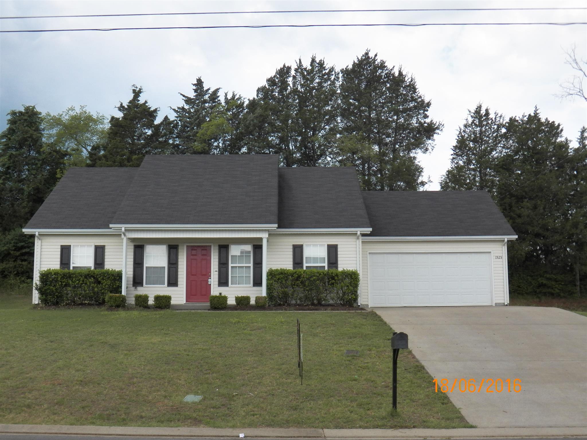 1525 Destiny Dr, Murfreesboro, TN 37130