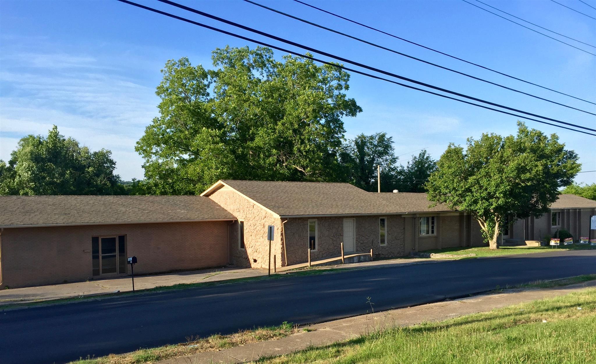 615 Maple St W, Fayetteville, TN 37334
