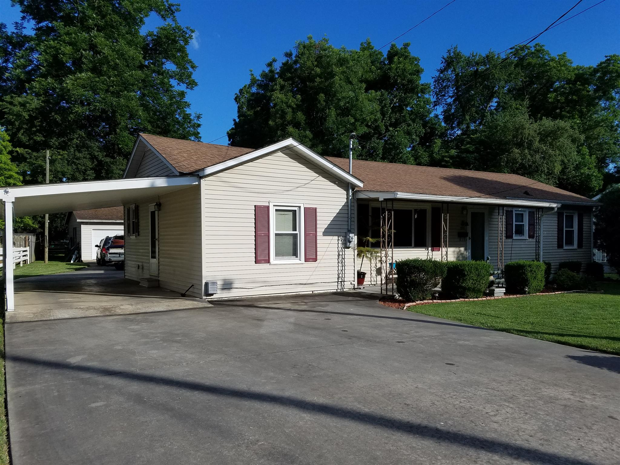 Photo of 409 3Rd Ave Nw  Winchester  TN