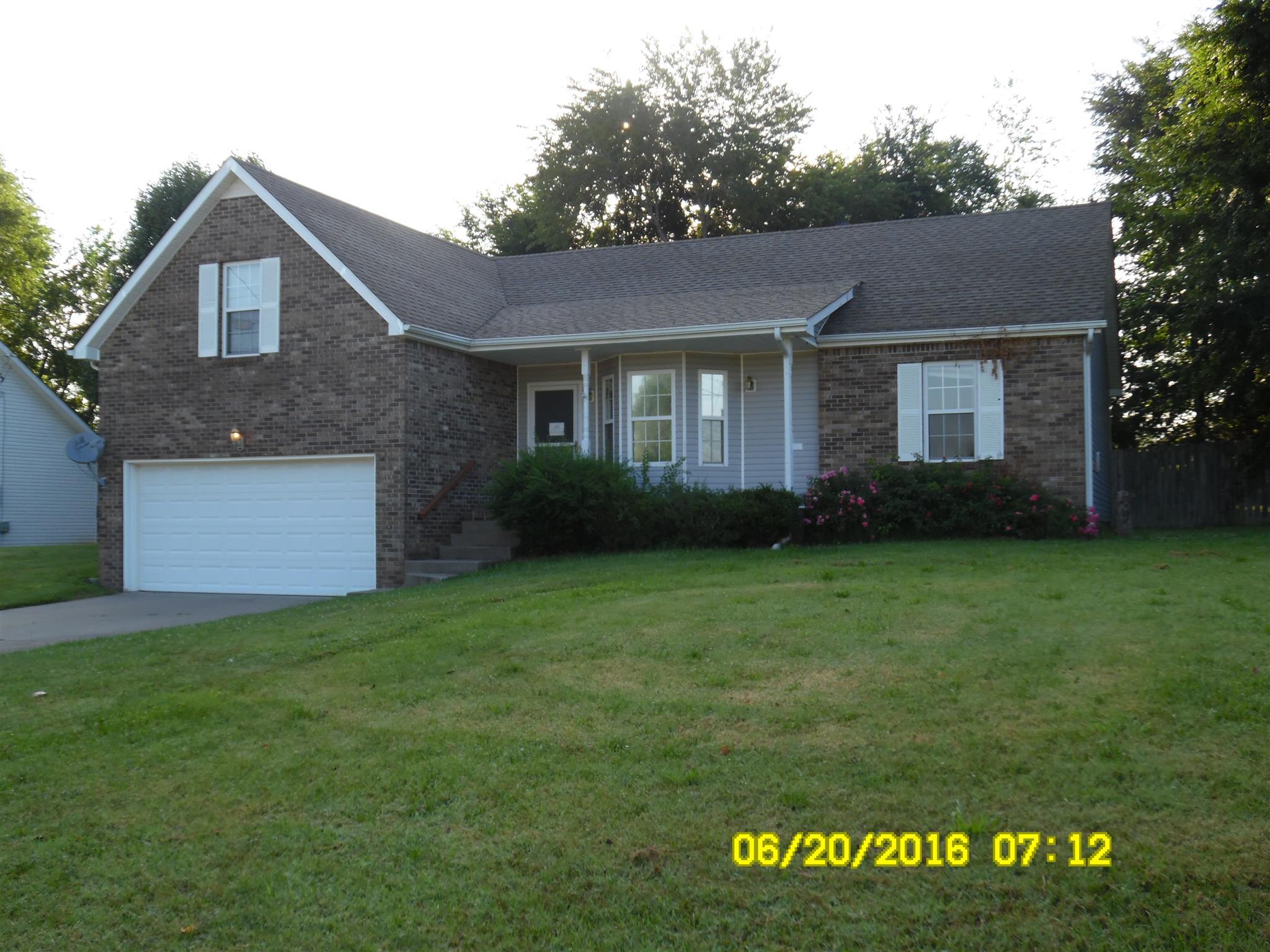 1349 Ambleside Dr, Clarksville, TN 37040