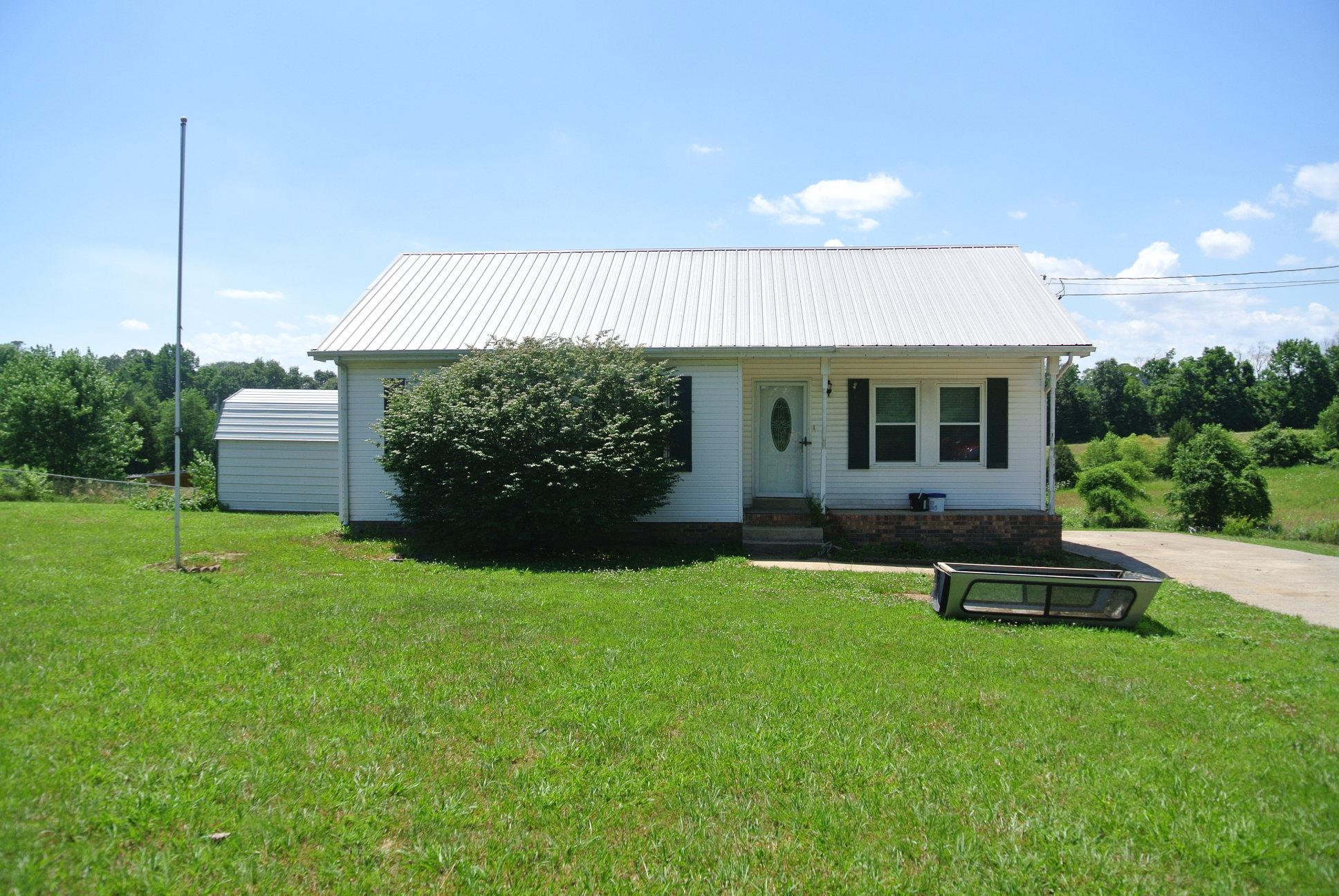 4870 Woodrow Rd, Woodlawn, TN 37191