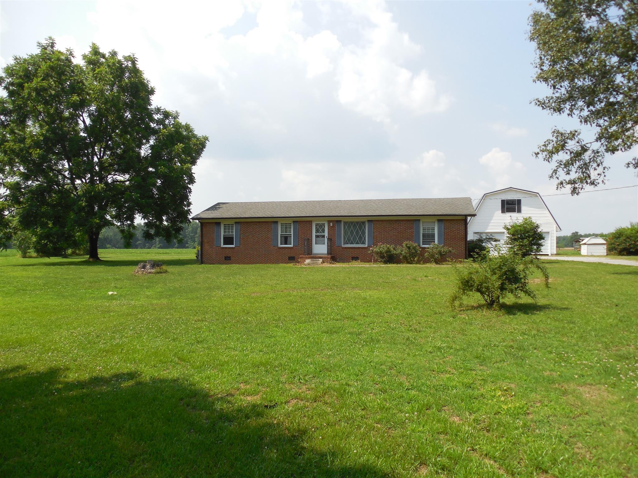 2989 K Parker Rd, Bradyville, TN 37026