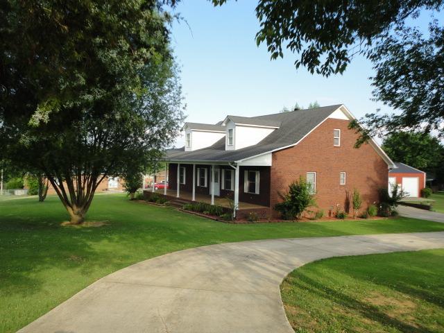 147 Morton Dr, Fayetteville, TN 37334