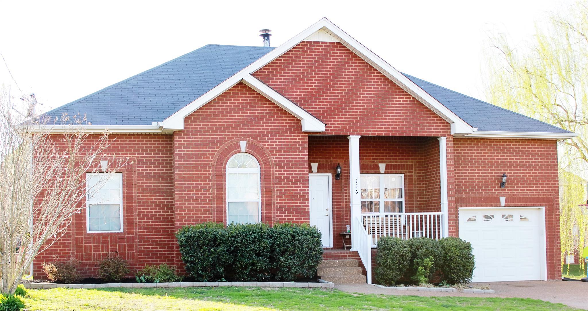136 Cherokee Dr, White House, TN 37188