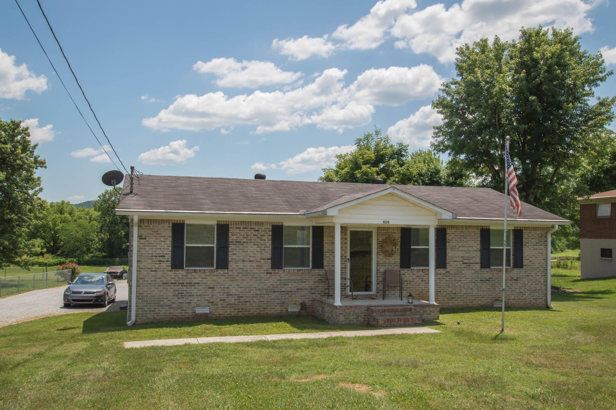 409 Murfreesboro Rd, Woodbury, TN 37190