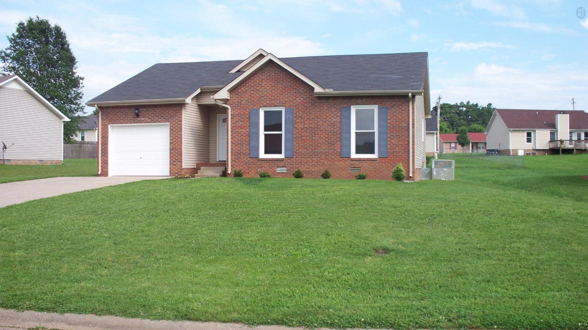 1756 Butternut Dr, Clarksville, TN 37042