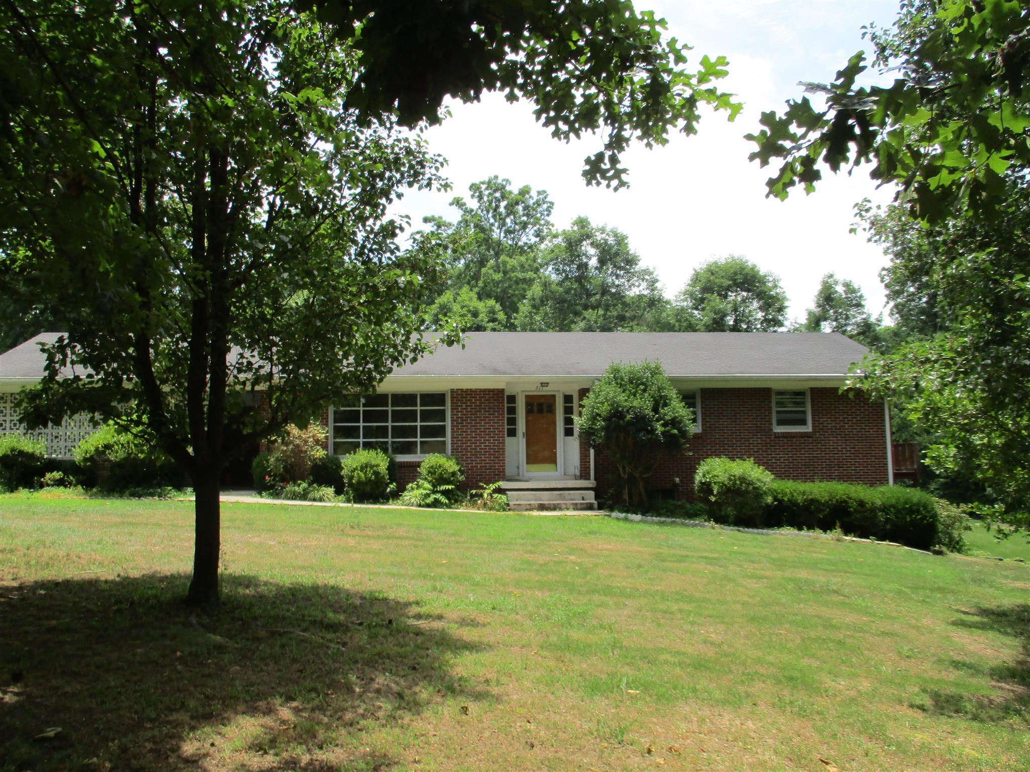 311 Virginia Dr, Lawrenceburg, TN 38464