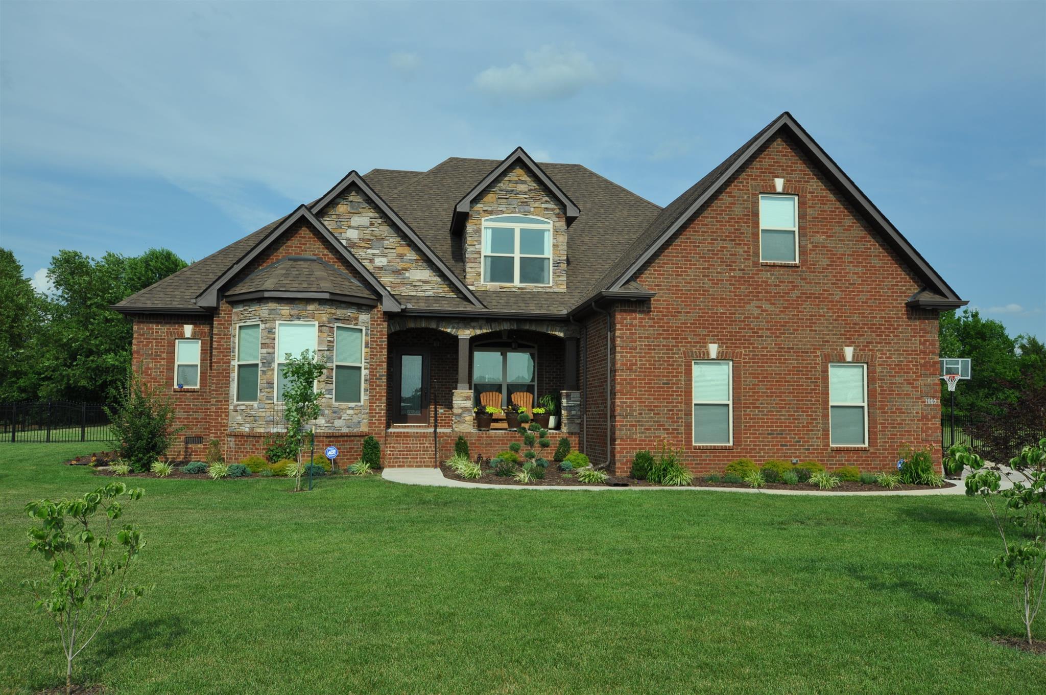1005 Glastonbury Way, Murfreesboro, TN 37129