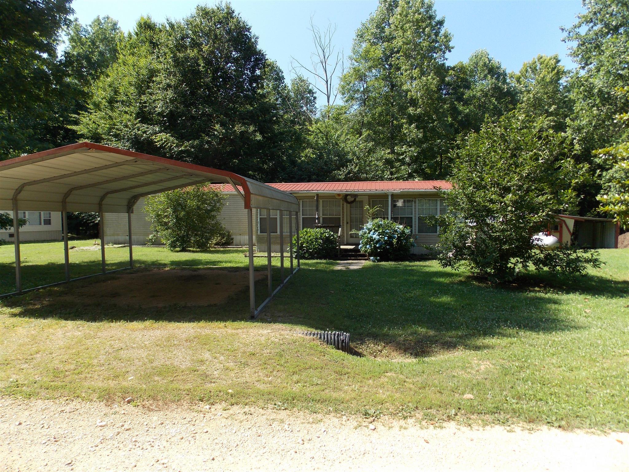 Photo of 50 Cresent Ridge Rd  Lobelville  TN