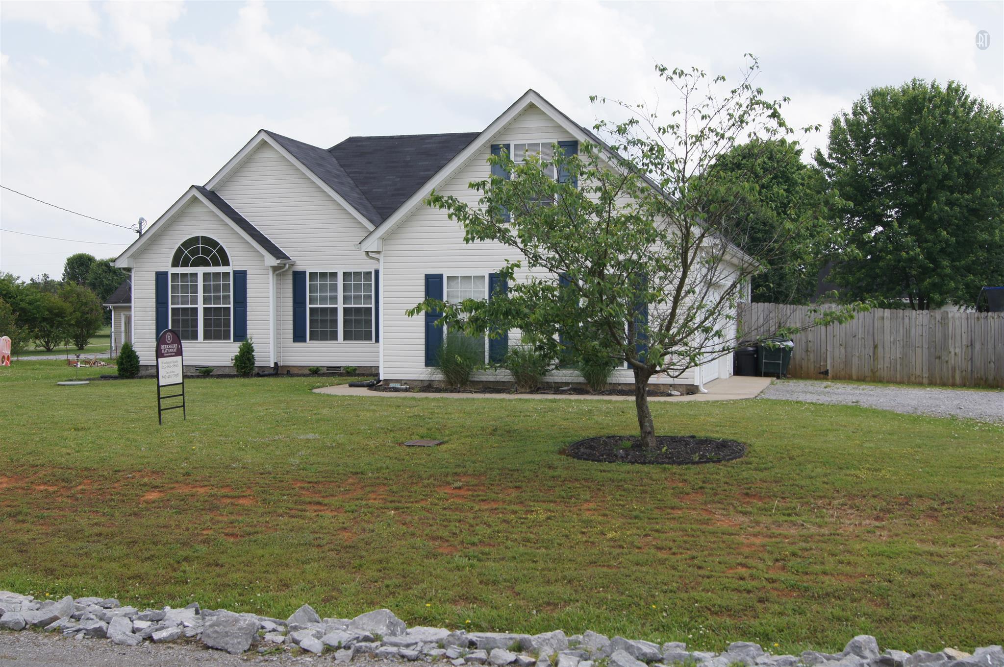 7116 Lone Eagle Dr, Murfreesboro, TN 37128