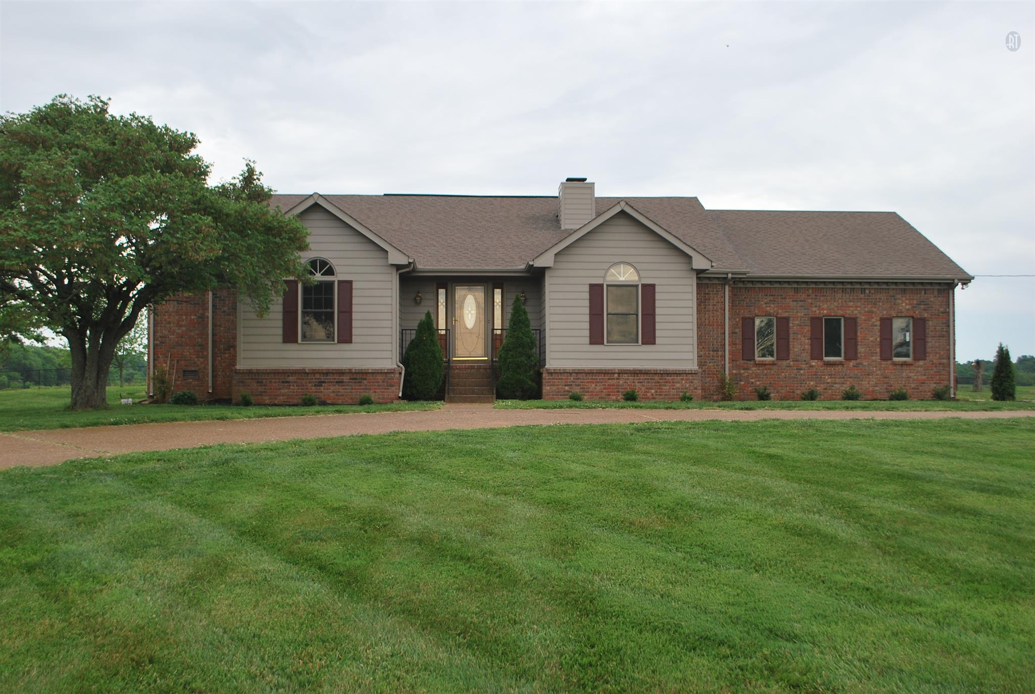4969 E Robertson Rd, Cross Plains, TN 37049