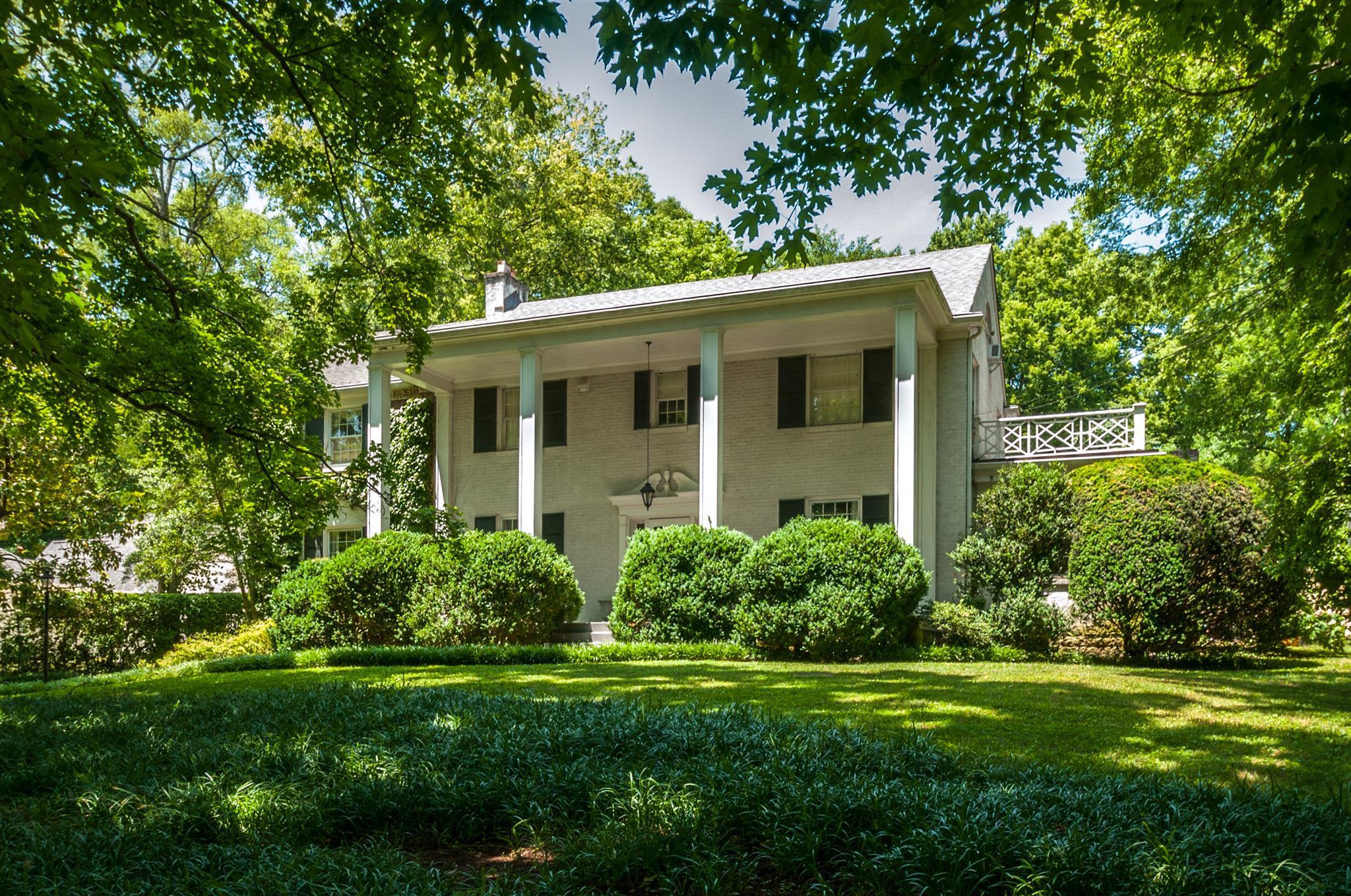 315 Walnut Dr, Nashville, TN 37205