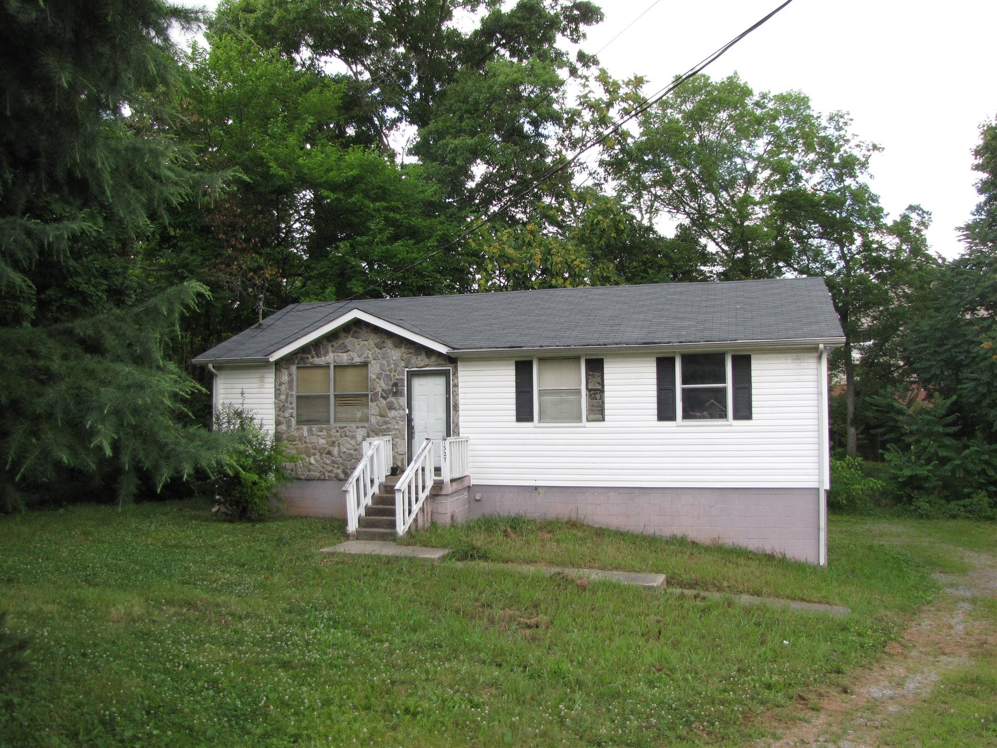 Photo of 1327 Gibson Dr  Clarksville  TN