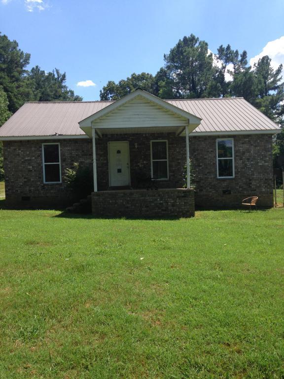 7025 White Oak Rd, Mc Ewen, TN 37101