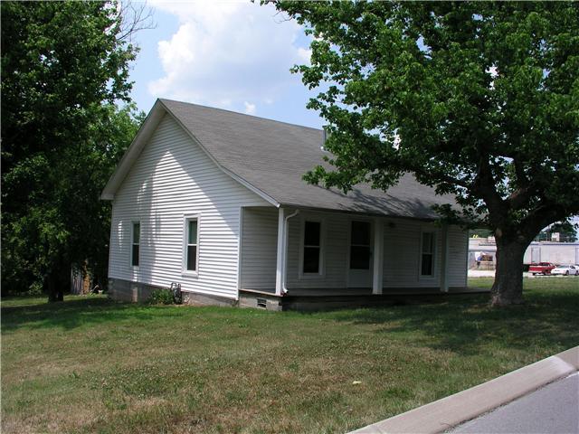 213 Hayes St, Hartsville, TN 37074