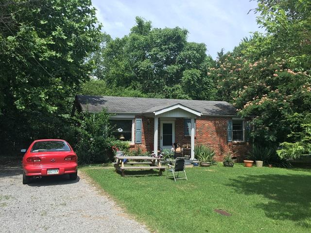 Photo of 825 Potters Ln  Clarksville  TN