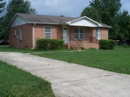 819 Luttrell Ave, Smithville, TN 37166