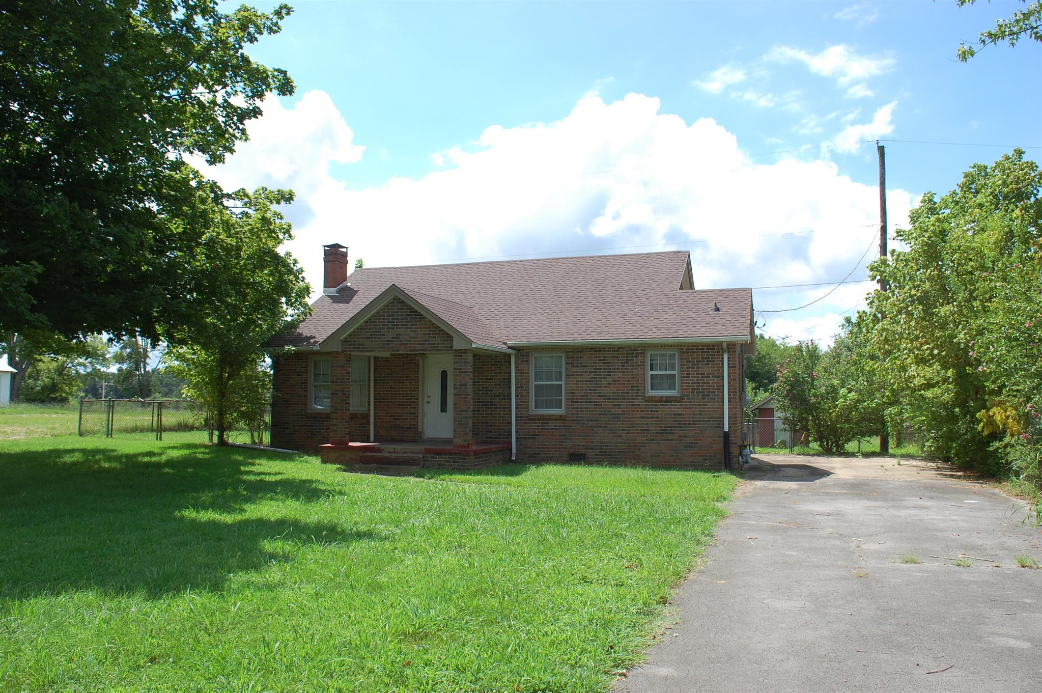 Photo of 546 Dover Rd  Clarksville  TN