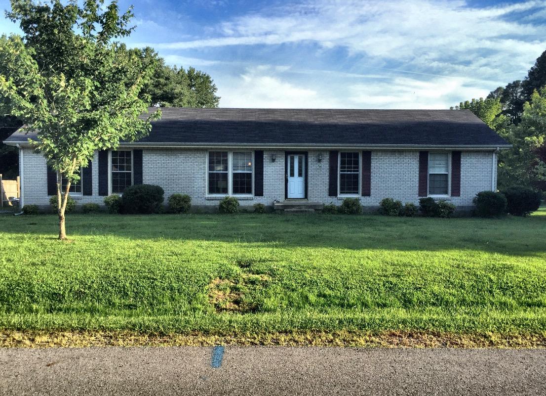 415 Sandra Dr, Cedar Hill, TN 37032