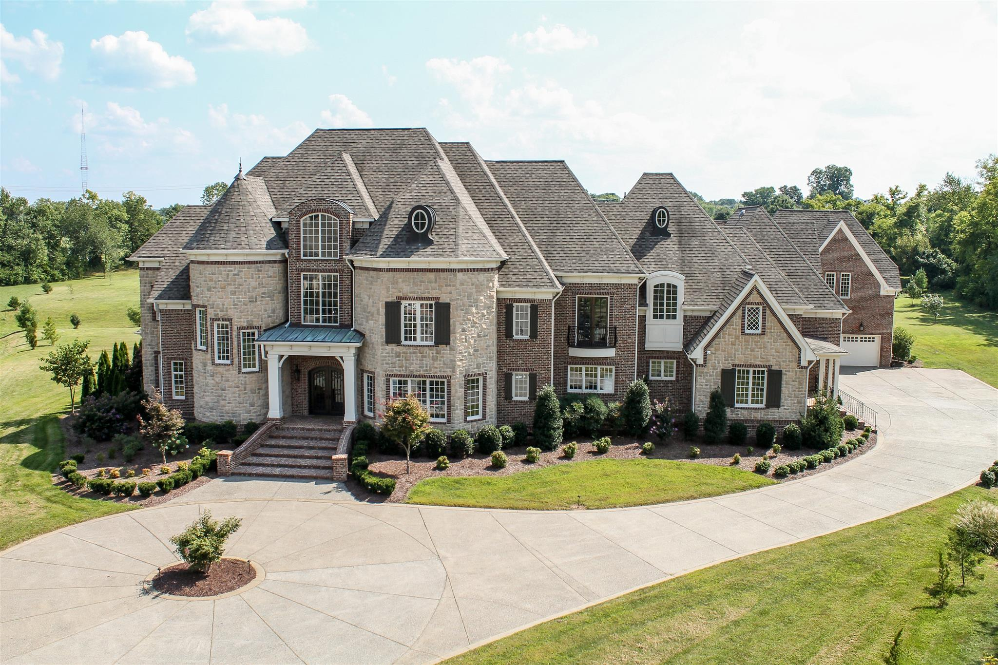 5223 Lysander Lane, Brentwood, Tennessee 6 Bedroom as one of Homes & Land Real Estate