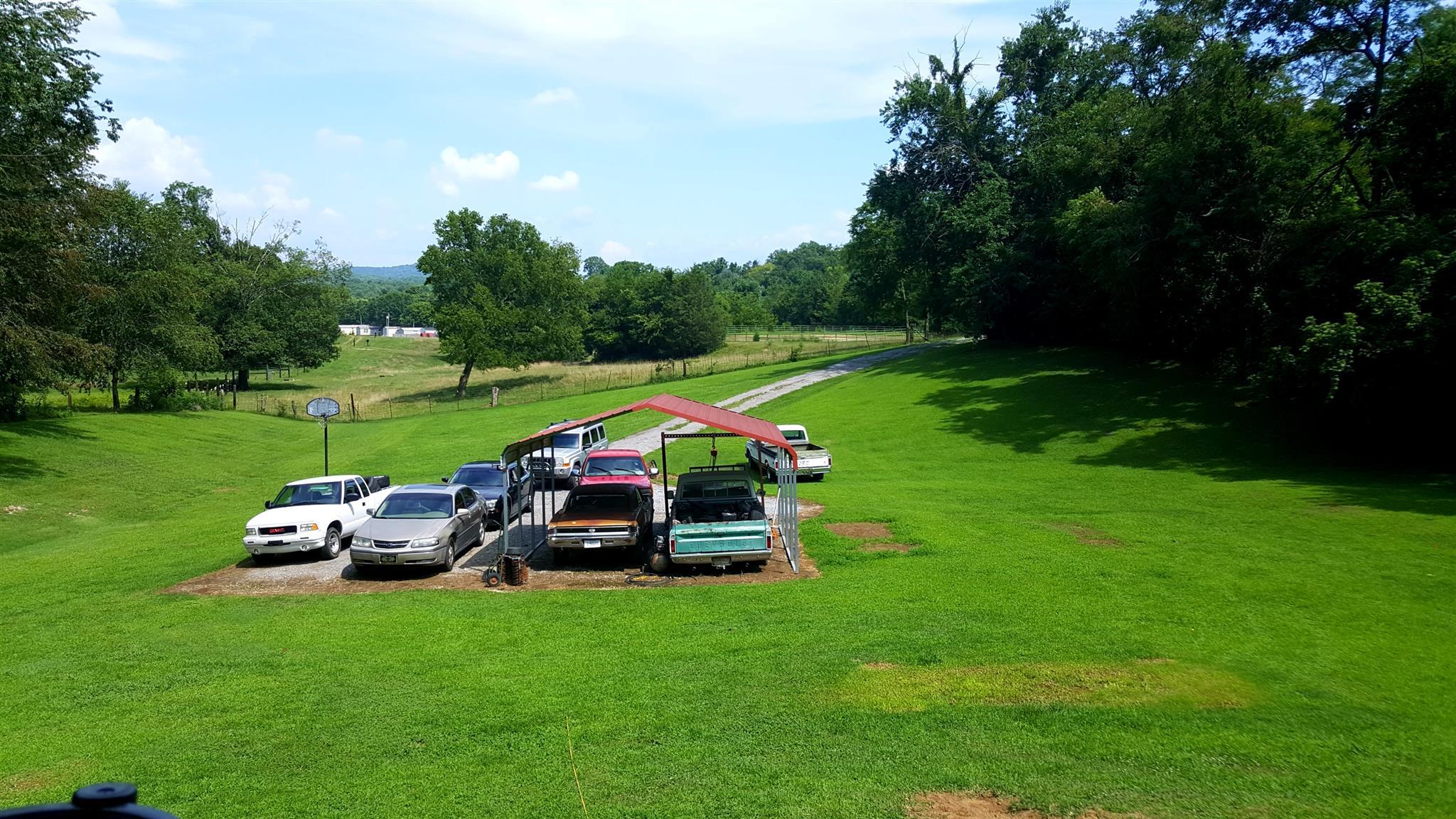 551 River Valley Dr, Hartsville, TN 37074
