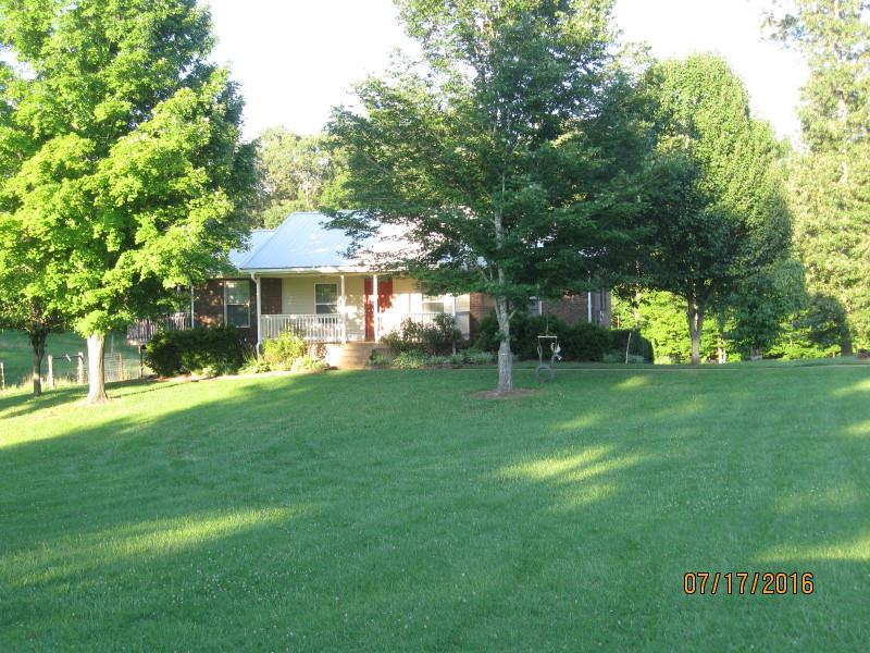 325 Thompson Ln, Clarksville, TN 37040
