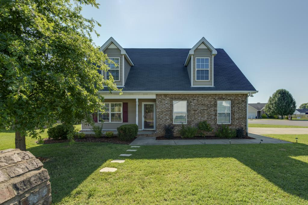 1621 Carrick Dr, Murfreesboro, TN 37128