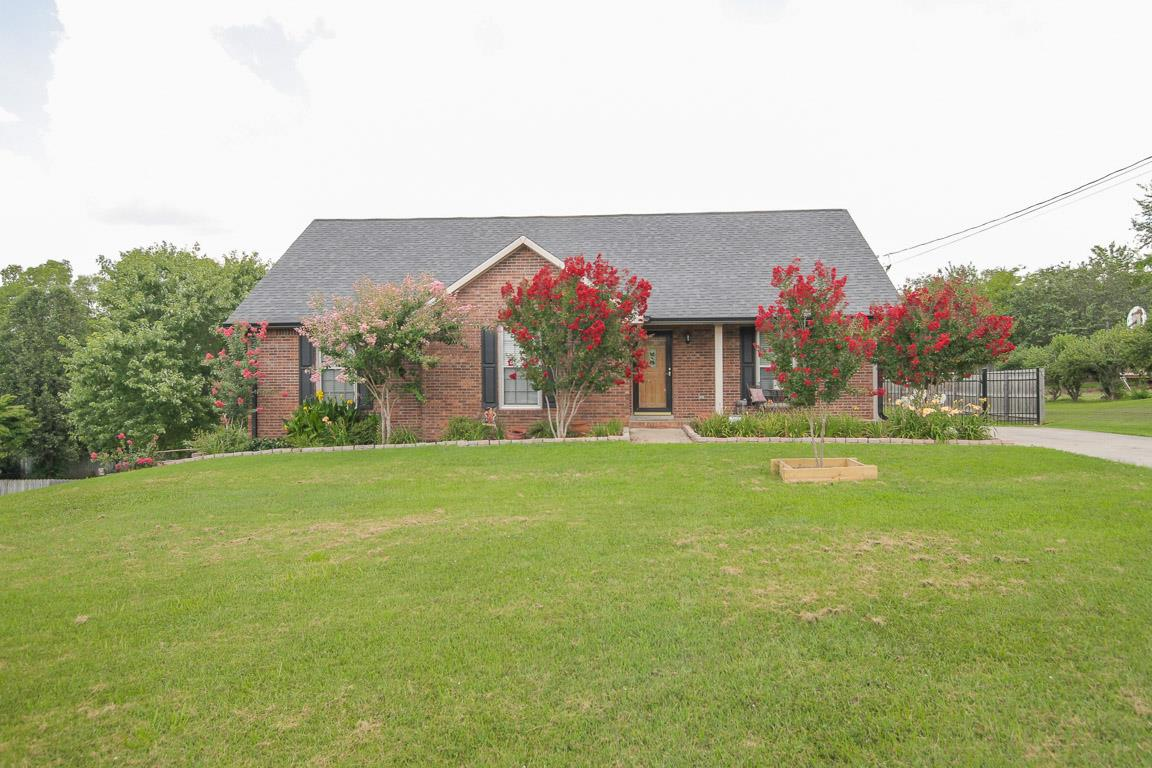 283 Ardmoor Dr, Clarksville, TN 37043