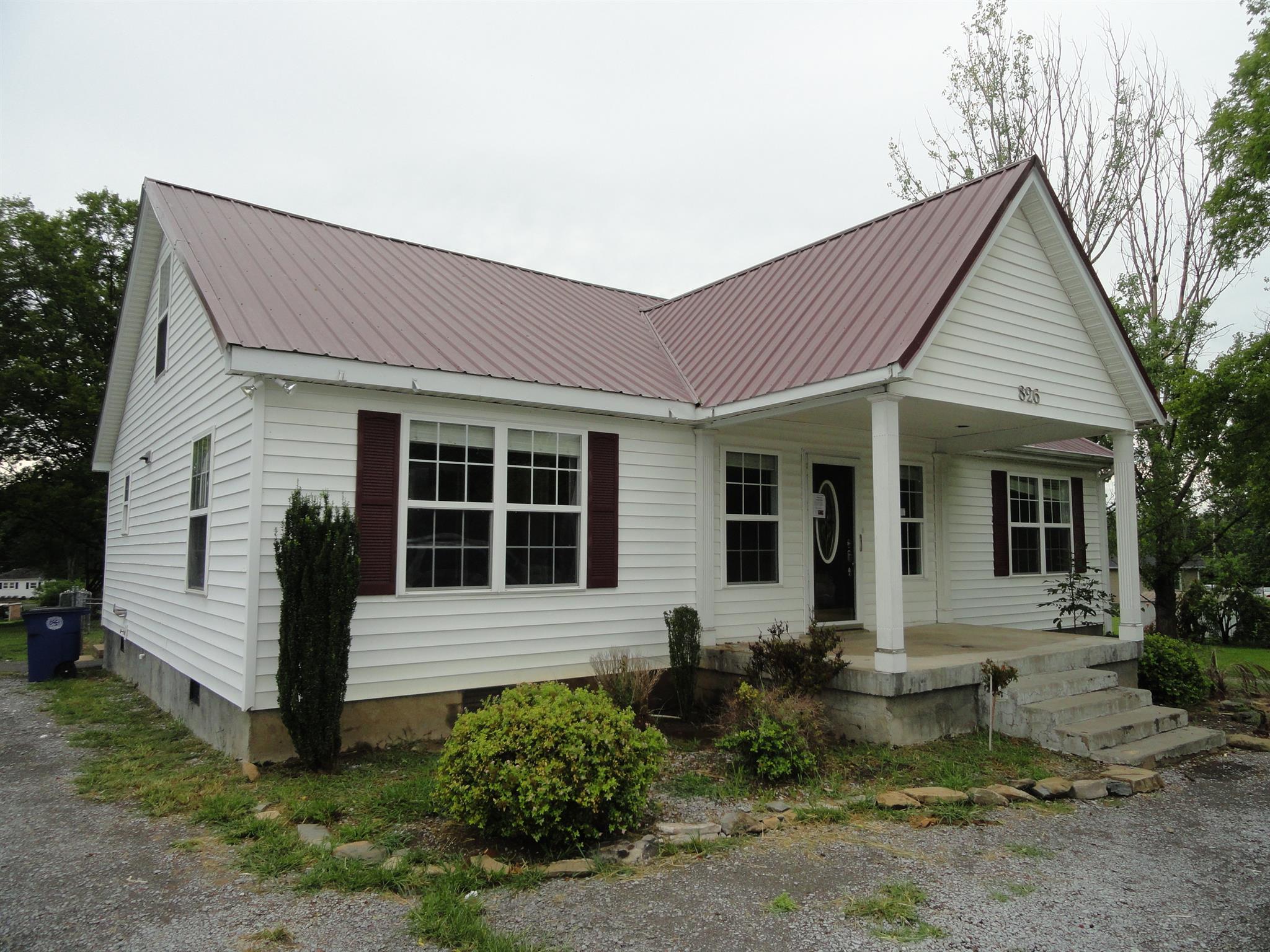 826 S Cannon Blvd, Shelbyville, TN 37160