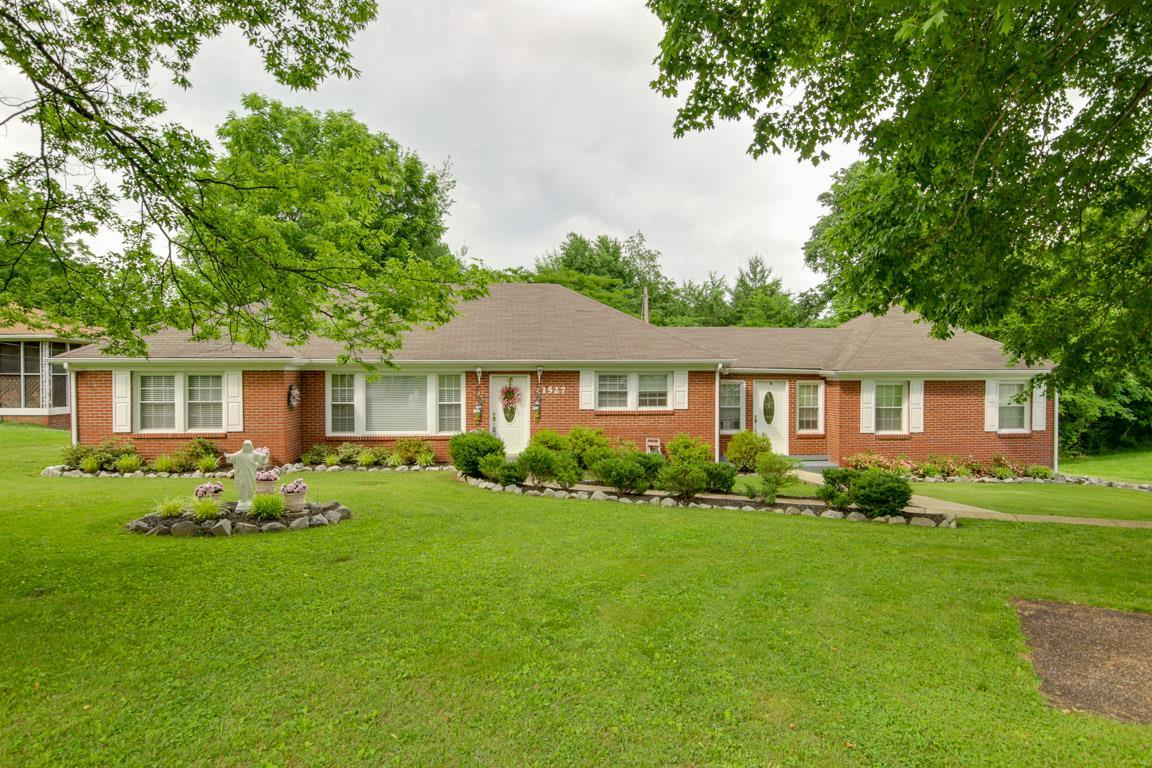 1527 Madison St, Clarksville, TN 37040