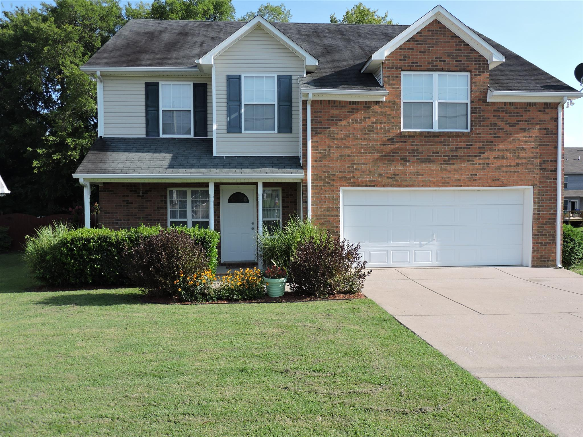 1264 Baker Creek Dr, Spring Hill, TN 37174