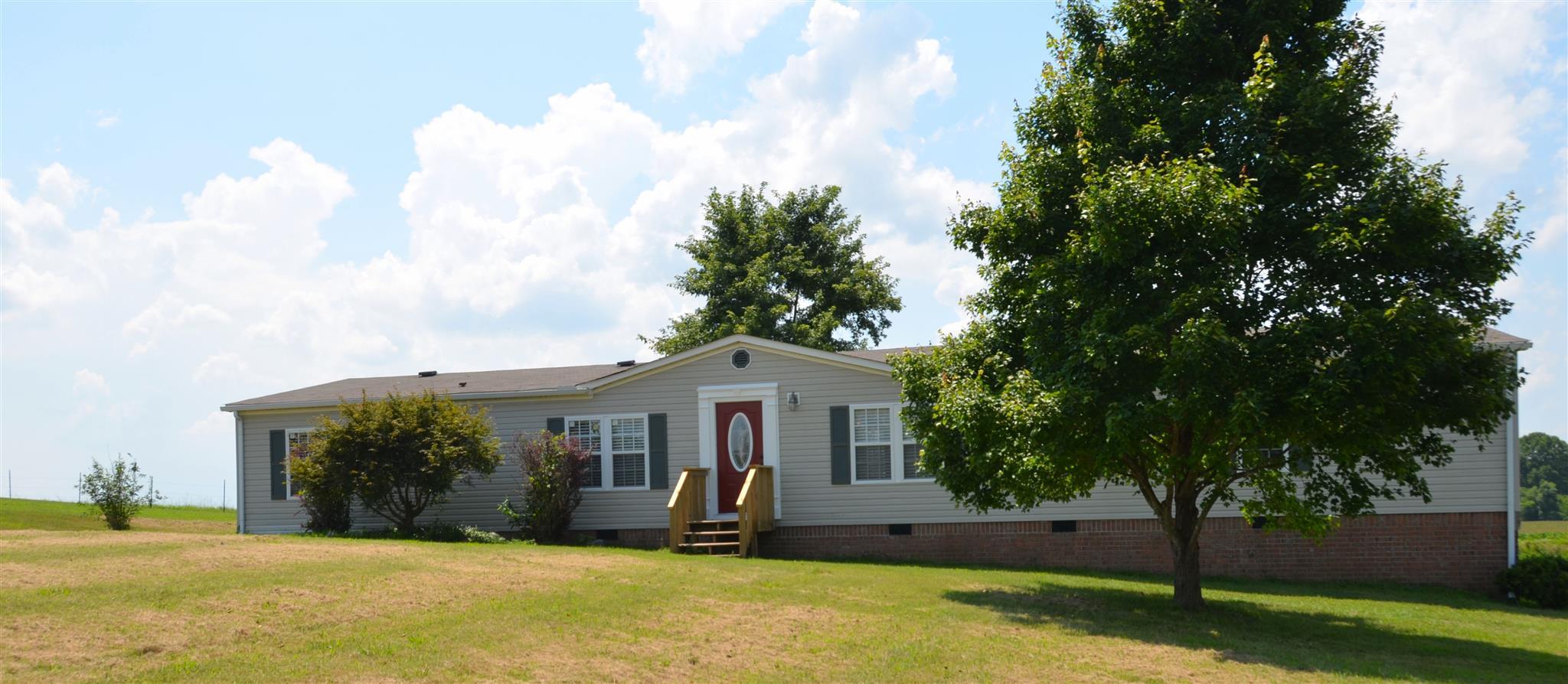 1011 Rock Springs Rd, Bethpage, TN 37022