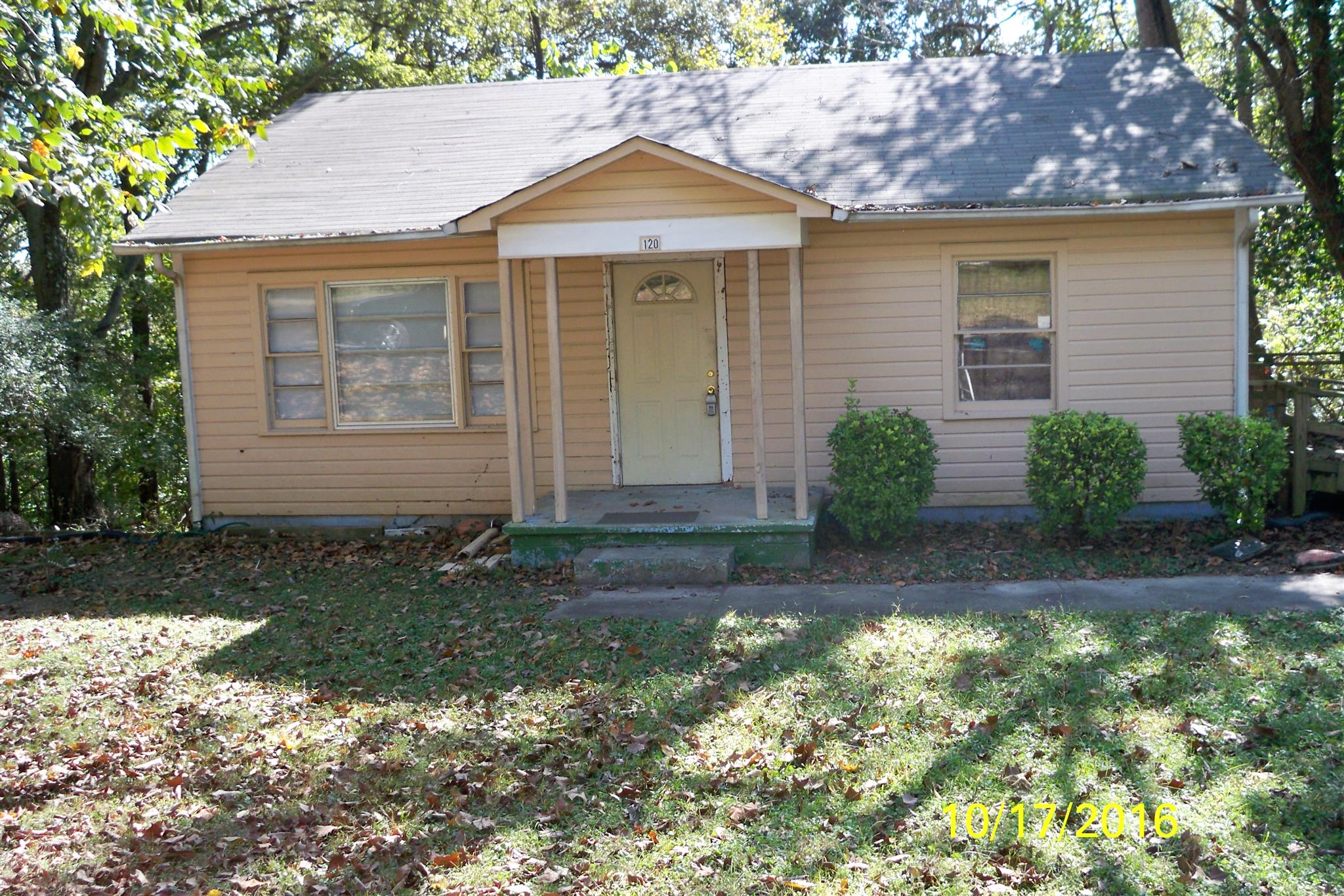 Photo of 120 Circle Hill Dr  Clarksville  TN