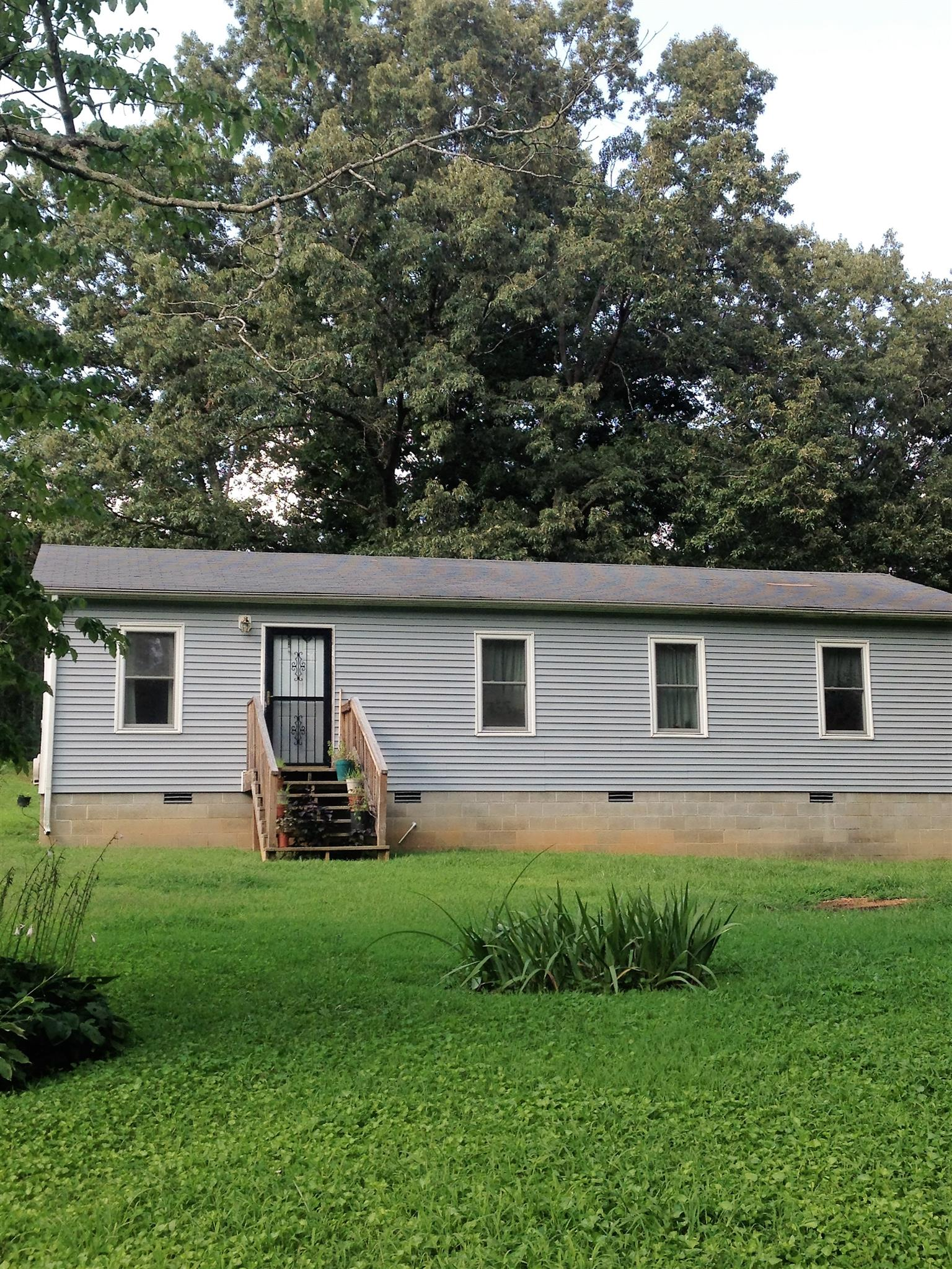 1640 Old Clarksville Pike, Chapmansboro, TN 37035