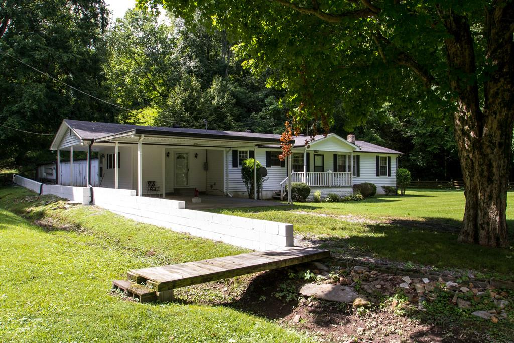 2399 Cedar Creek Rd, Vanleer, TN 37181
