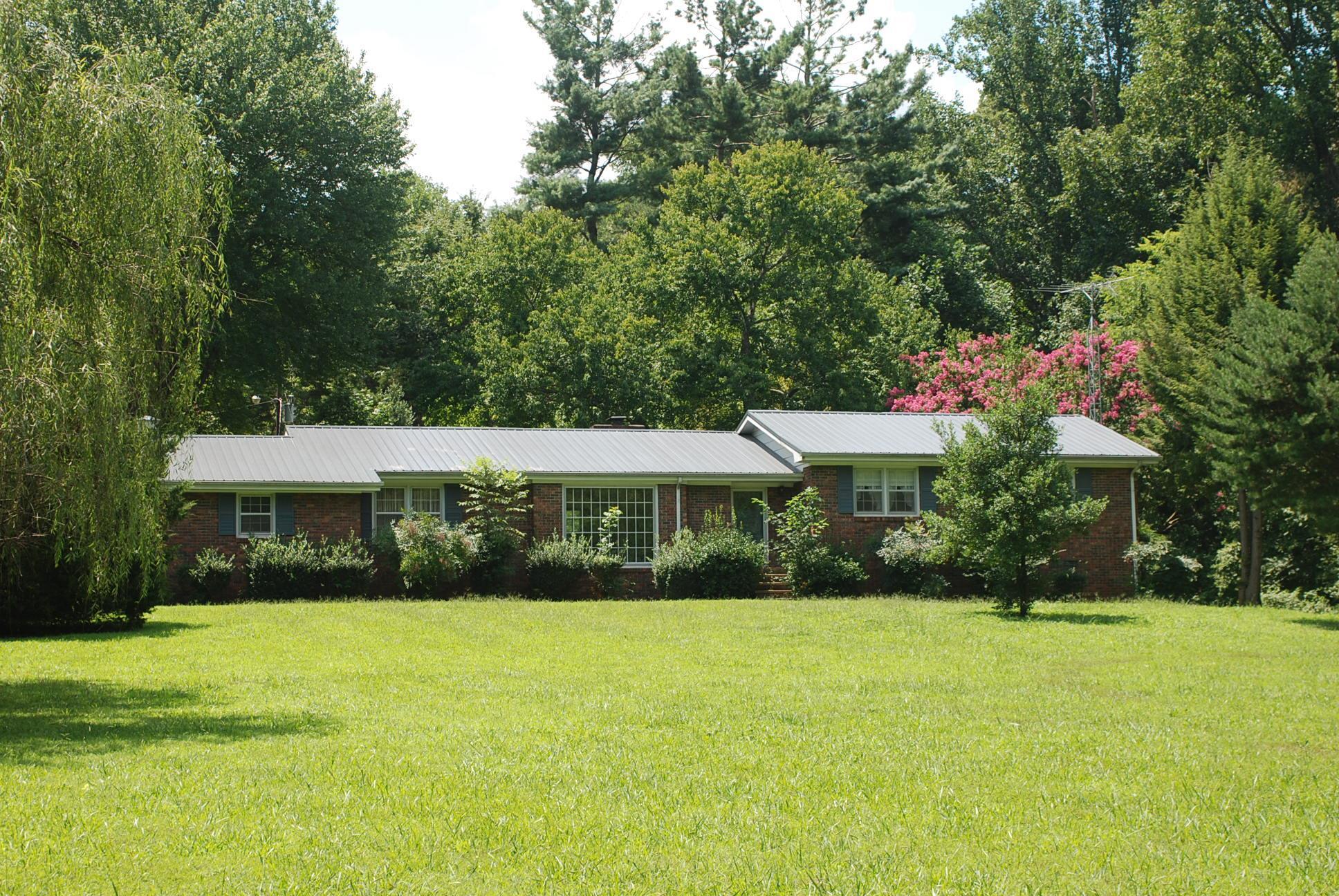 794 Centennial Rd, Winchester, TN 37398